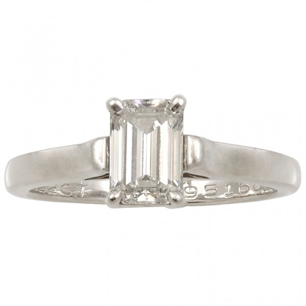 Emerald-Cut-Diamond-Platinum-Ring-1