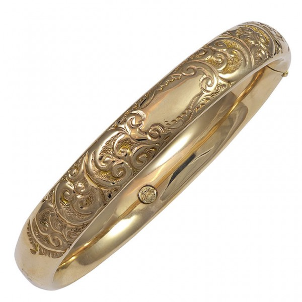 Engraved-Gold-Bangle-Bracelet-1