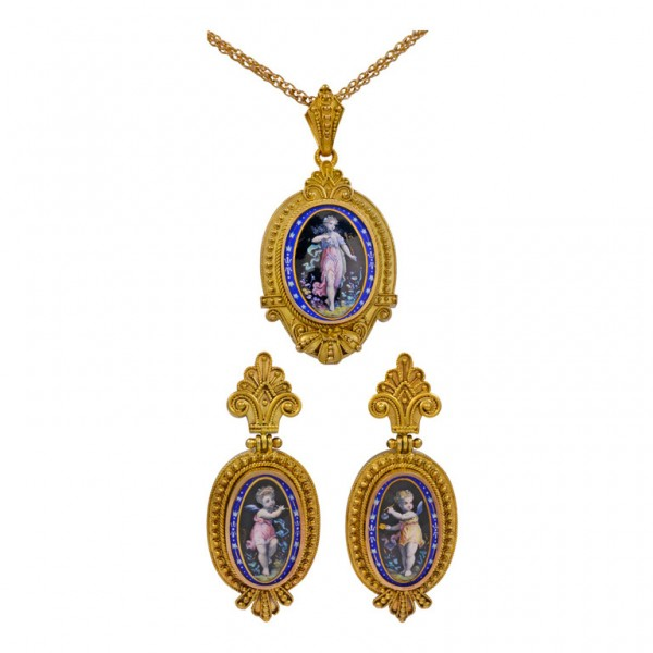Locket-and-Earring-Gold-Set-1