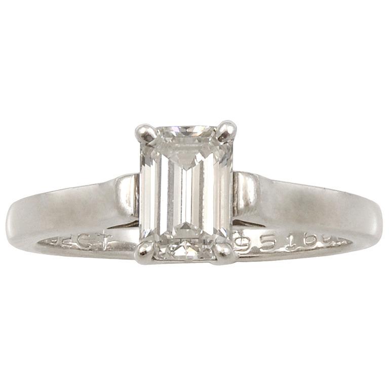 Emerald-Cut-Diamond-Platinum-Ring-1